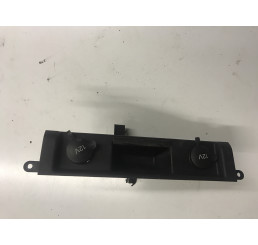 Discovery 3 Centre Dash 12 Volt Connectors And Trim FB0500630