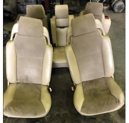 Discovery 2 Td5/V8 Cream Leather Seats Manual