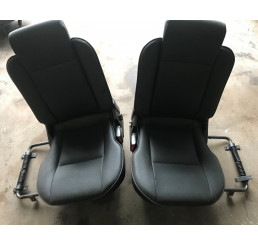 Discovery 2 Td5/V8 Black Leather Boot Seats