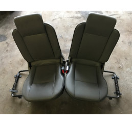 Discovery 2 Td5/V8 Grey Leather Boot Seat