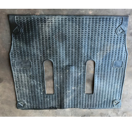 Discovery 2 Td5/V8 Rear Rubber Boot Mat #2
