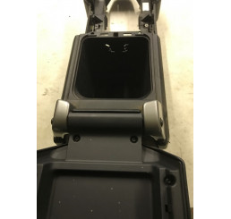 Discovery 3 Black Arm Rest And Centre Console