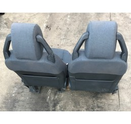 Discovery 3 Manual Cloth Seats Pair