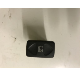 Freelander 1 Tailgate Window Switch YVF000190