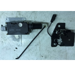 P38 Lower Tailgate Door Lock Mechanism