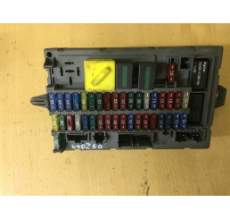 Discovery 2 Interior Fusebox YQE000250
