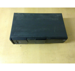 Discovery 2 Alpine CD Changer XQE000120